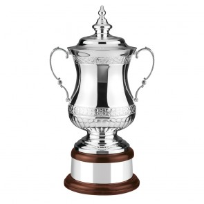 18 Inch Hand Chased Heroes Cup Ultimate Trophy Cup