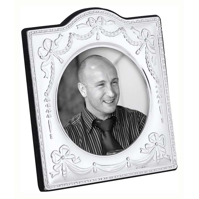 Edwardian Bow And Ribbon 9 cm Traditional Photo Frame