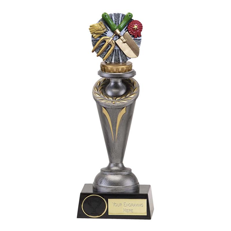 22cm Gardening Figure On Crucial Award