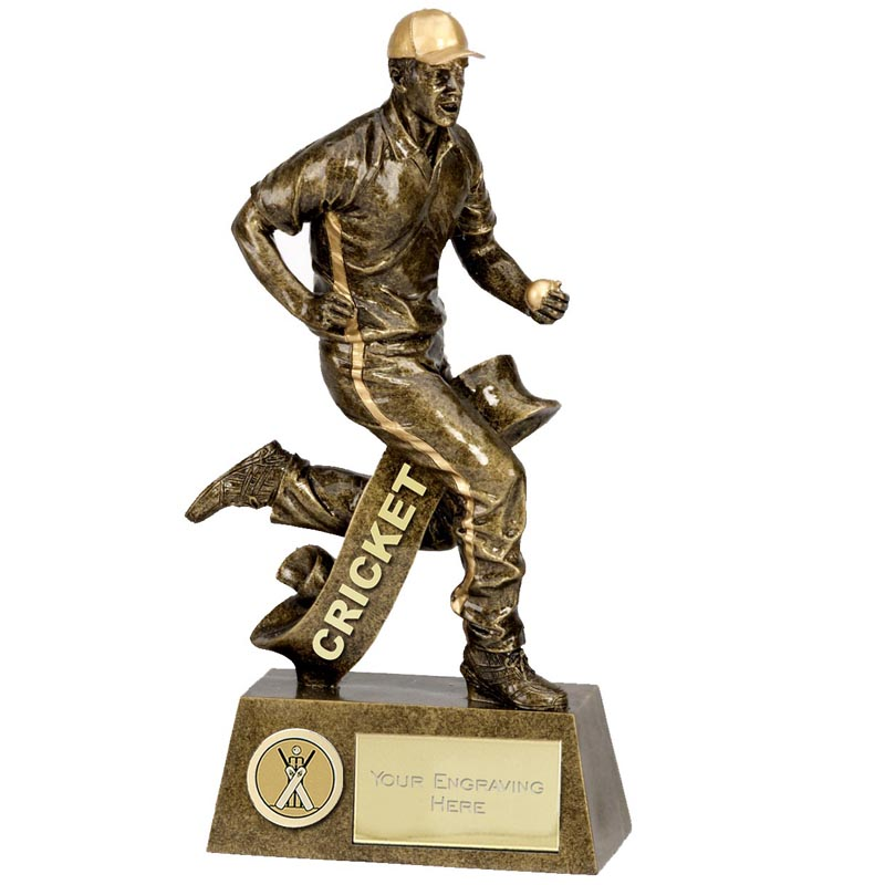 Fielding Cricket Pinnacle Statue